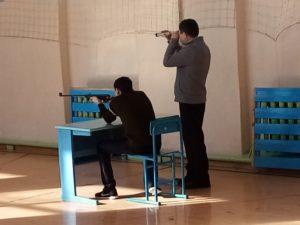 стреляют учащиеся
