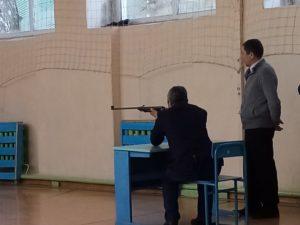 стреляет Ефимов